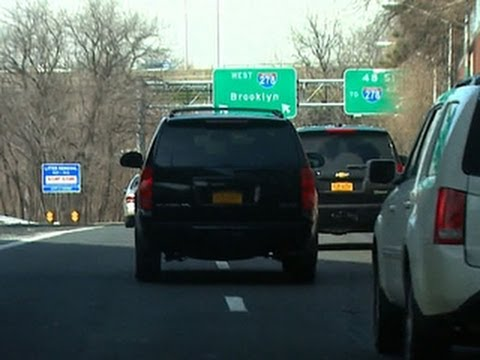 NYC mayor's SUV seen breaking traffic laws