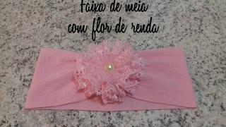 Faixa de meia de seda com flor de renda