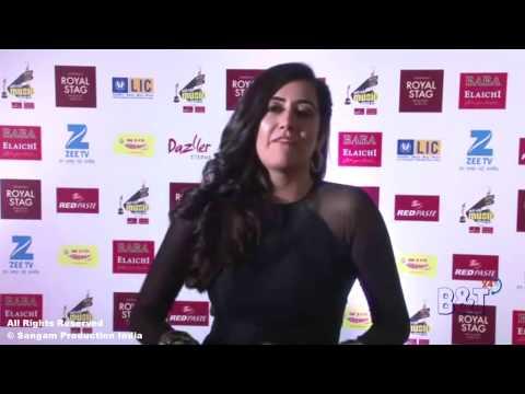 """""""Breakup Kar Liya"""" Singer Jonita Gandhi At The Red Carpet Of Mirchi Music Awards 2017"""
