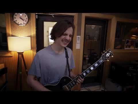 "Broke Royals - ""Saint Luxury Blues"" (Live In Studio)"