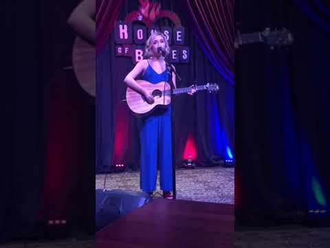 15-year-old-emily-ann-covers/-better-now-post-malone-@-the-house-of-blues-houston
