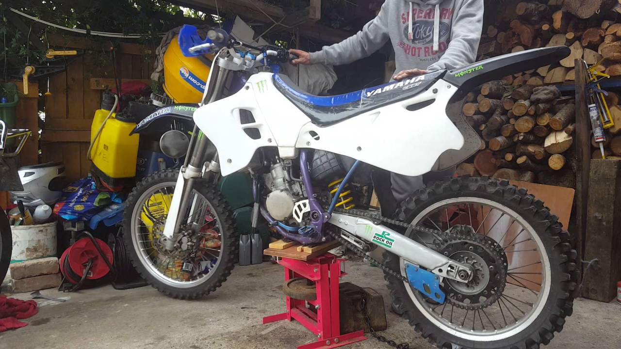 diy dirt bike stand 360 spinnable work stand - YouTube