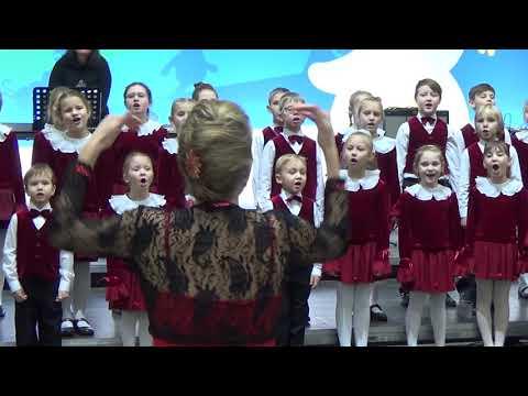 "БДХ (мл.группа) муз. В. Шаинский, сл. М. Пляцковский, ""Улыбка"""