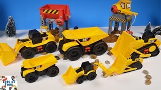 Construction CAT Earth Mini Movers Dump Truck, Bulldozer, Wheel Loader Move Materials at Site