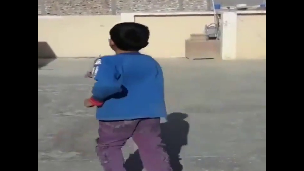Amazing 6-year-old leg-spinner Eli Mikal Khan gets praised by Shane Warne
