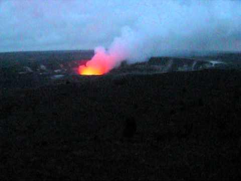kilauea-iki-crater-&-halema'uma'u-crater