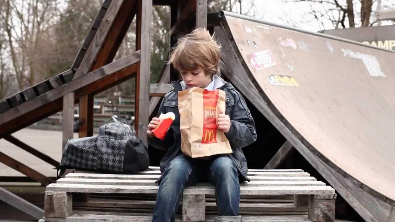 Anuncio Mcdonalds Package Mcdonalds Vs Burger King 2011