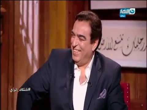محمود سعد يهدى سلسلة مفاتيح باب الخلق لـجورج قرداحى فى اولى حلقات البرنامج