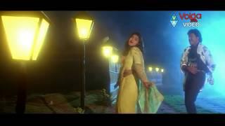 Kondaveeti Donga Songs - Subhalekha Rasukunna - Chiranjeevi, Radha - HD