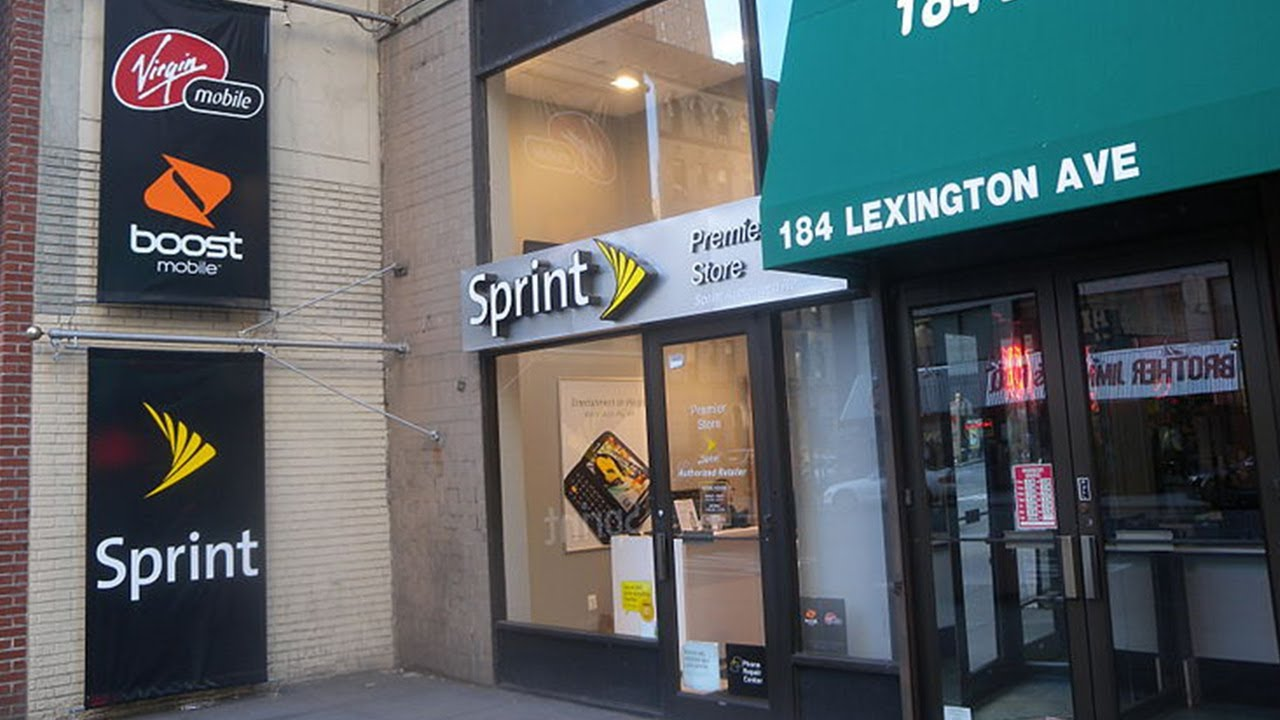Sprint Still Losing Money but Gaining Smartphone Subscribers