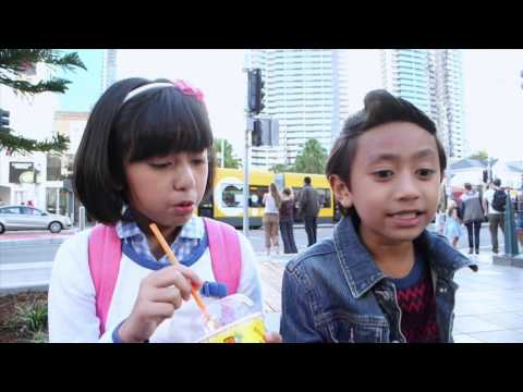 Strawberi & Karipap Hello Gold Coast: Mia & Rykarl Suka Berlakon dengan 'Bro Z'!