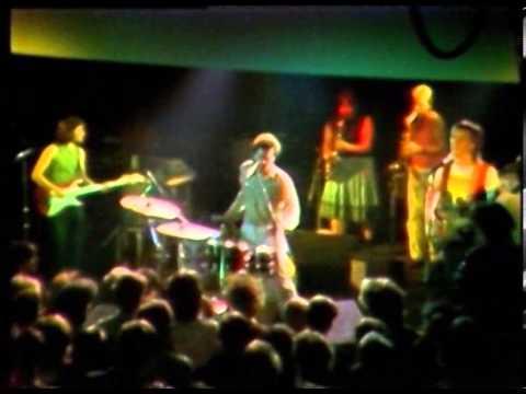 Violent Femmes - Black Girls - (Live at the Hacienda, Manchester, UK, 1984) mp3