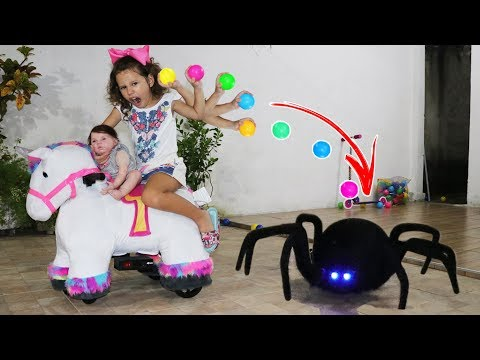 VALENTINA BRINCANDO E APRENDENDO CORES - Learn Colors for Kids with Color Tire for Children Songs