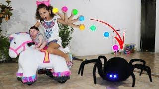 VALENTINA BRINCANDO E APRENDENDO CORES - Learn Colors for Kids with Color Tire for Children Songs