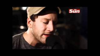 Matt Cardle covers Lady Gaga - Paparazzi (Live Acoustic from The Sun Biz Sessions)