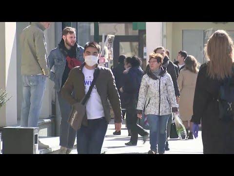 Медики из всех уголков РФ просят граждан соблюдать ограничительные меры, принятые из-за коронавируса