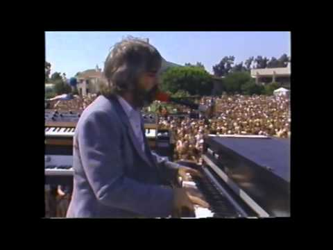 The Doobie Brothers - Keep This Train A-Rollin' - Live '81