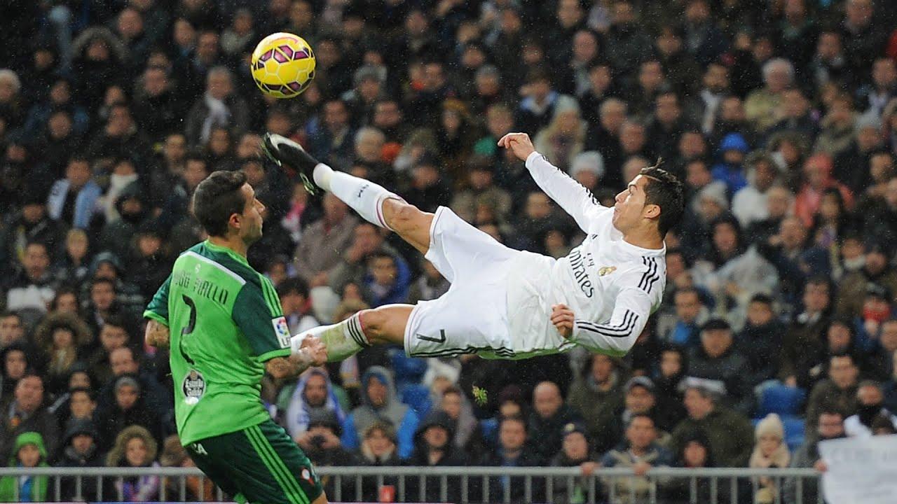 Cristiano Ronaldo InCRedible Bicycle Kicks Show