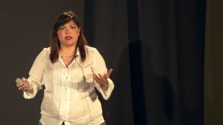 Staying in México is a good idea | Alejandra Paredones | TEDxPitic