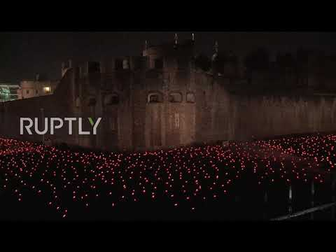 UK: 10,000 candles burn bright at Tower of London for WWI centenary