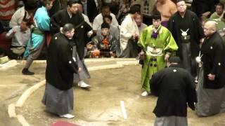 20120514 大相撲5月場所9日目 白鵬vs豊ノ島 物言いの付く一番でした...