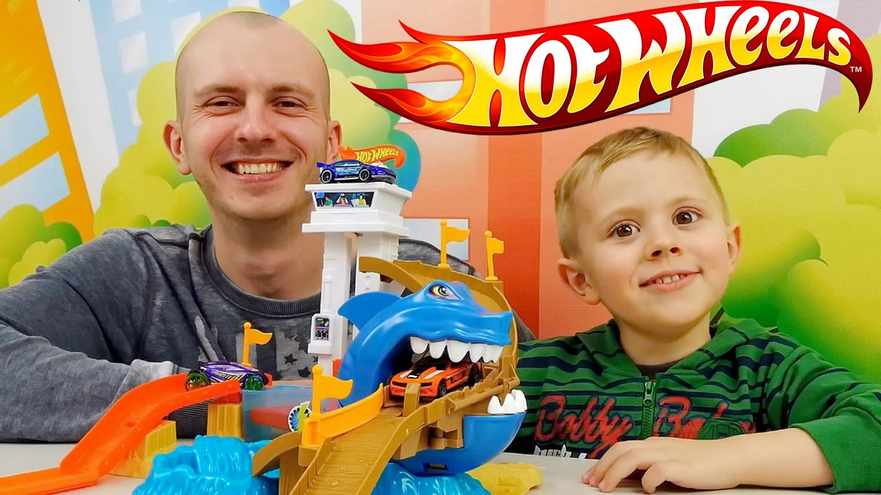 ХОТ ВИЛС ПОРТ АКУЛЫ   Даник и Папа Играют с треком и машинками HOT WHEELS SHARKPORT