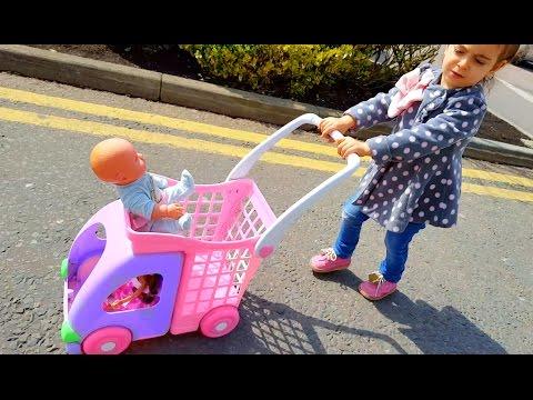 Little Girl Doing Shopping / Supermarket Toy Cart / Dolls Stroller
