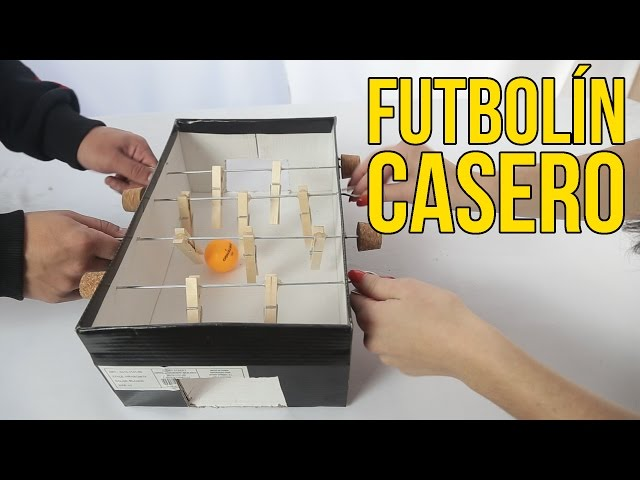 Cómo hacer un futbolín casero con una caja de zapatos