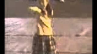 танец на улице прикольный(, 2014-01-15T09:01:57.000Z)