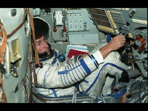 Курьёз космонавтики: Как последний космонавт СССР улетел из одной страны, а вернулся в другую
