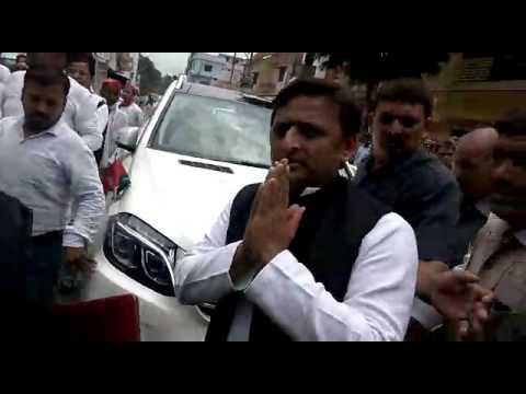 Akhilesh Yadav supporters' shameless act at murdered Businessman house Part 2 thumbnail