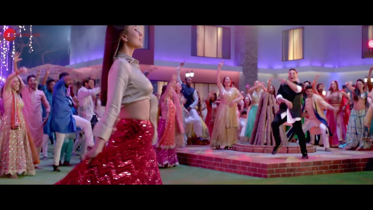 Lal Ghagra good news song akshy Kumar Kareena Kapoor - YouTube