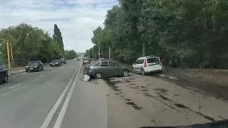Авария на выезде из Саратова. Двенадцатую развернуло