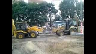 Jcb vs Caterpillar