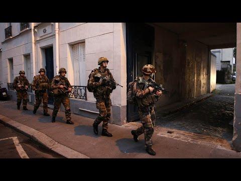 Policía francesa prohíbe las manifestaciones públicas