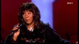 Donna Summer - Bad Girls / Hot Stuff + Speech (Nobel Peace Prize Concert