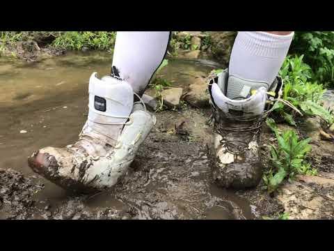 Kate's muddy snowboard boots + socks
