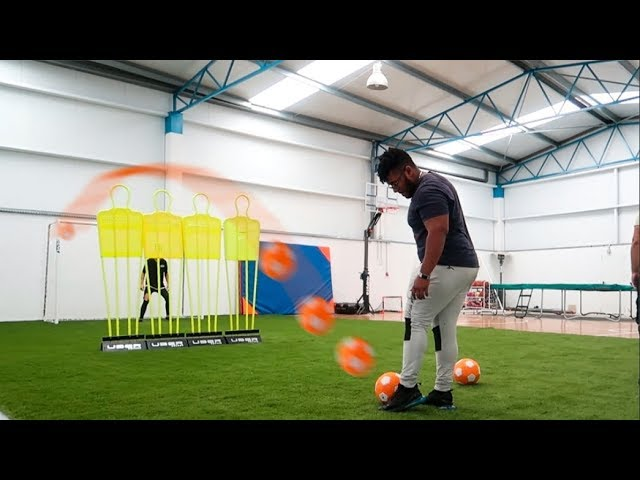 el-balon-de-los-efectos-futbol-en-la-nave-industrial