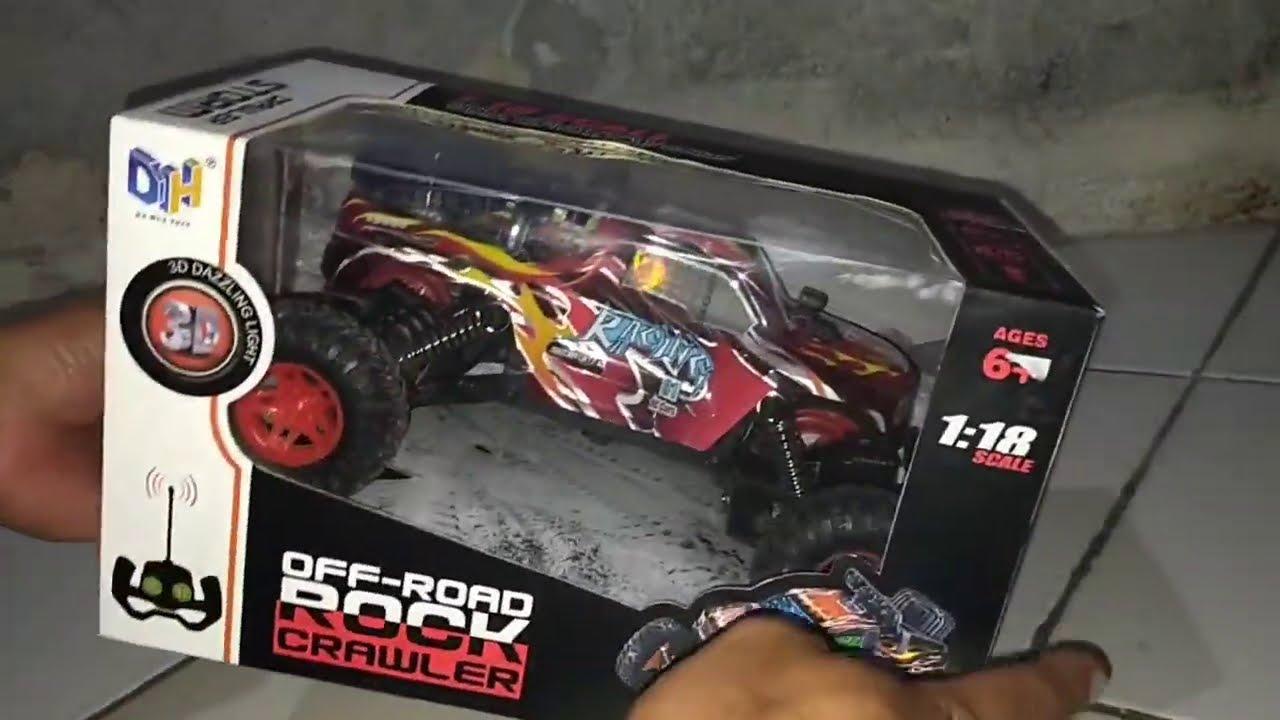 Mobil Mainan Off-Road Rock Crawler 1:18