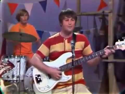 The Beach Boys- California Girls (1965)
