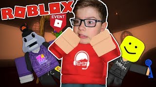 Can we ESCAPE the HAUNTED HOUSE? - Roblox Hallow's Eve Event