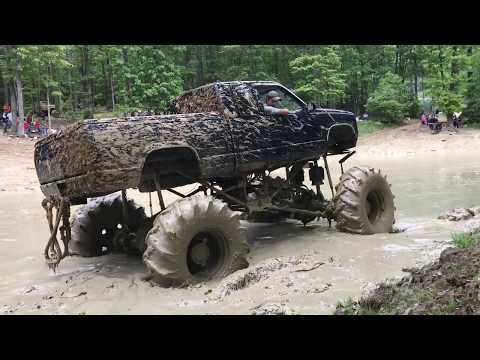 Diamond S MUD bog Memorial Day Weekend 2017 Penns Creek Pennsylvania MEGA trucks .. Impossible pass?