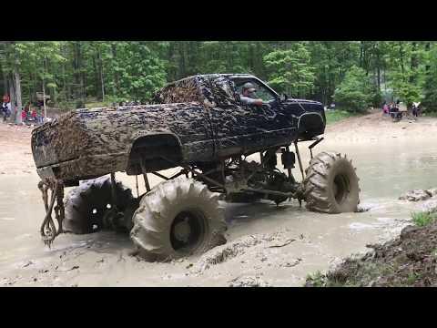 Diamond S MUD bog Memorial Day Weekend 2017 Penns Creek Pennsylvania MEGA trucks .. Impossible pass?
