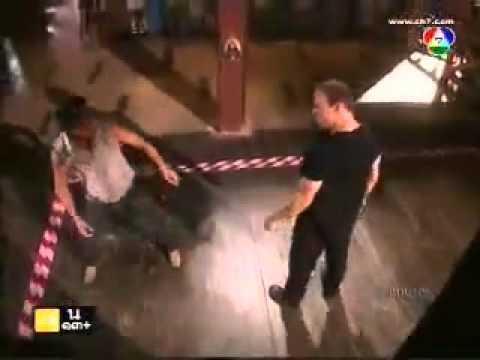 Ron Smoorenburg fight with Somrak Khamsing in Thai TV series