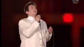 KD Lang - Hallelujah (LIVE at the Winter Olympics 2010)(This is a breathtaking rendition of Leonard Cohen's classic