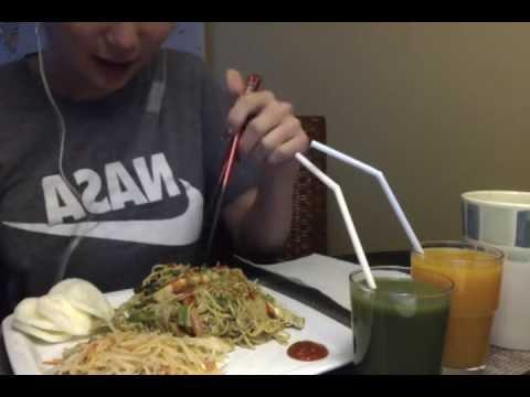 ASMR Eating Sounds (Whisper) - Vegan Noodles Papaya Salad Shrimp Chips Juice