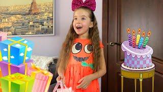 Маша пригласила к себе на День Рождения принцесс