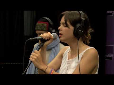 La Femme - Septembre (live dans Ping Pong)