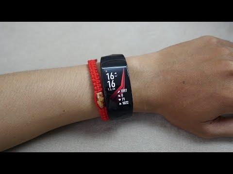 Samsung Gear Fit 2 Pro - Quá đã Với Khả Năng Chống Nước 5ATM - Tony Phùng