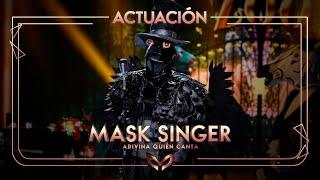 El Cuervo canta 'Eso que tú me das' de Jarabe de Palo | Mask Singer: Adivina quién canta
